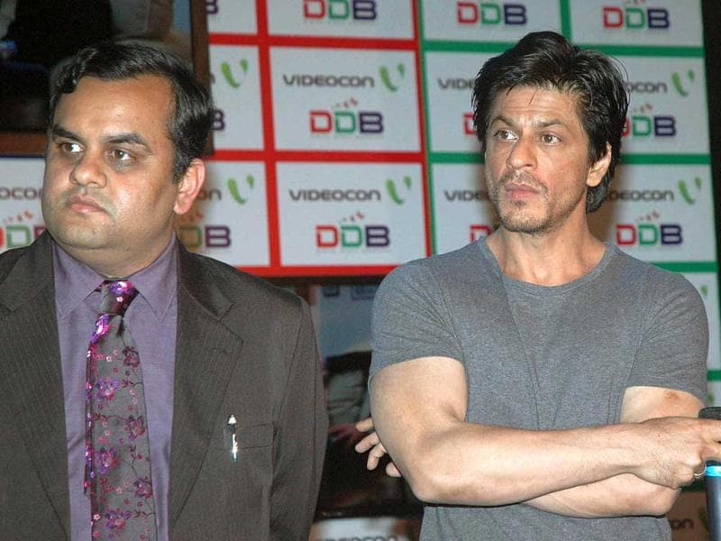 Anirudh Dhoot, Director of Videocon along with Actor and Brand Ambassador Shah Rukh Khan addressing the press conference during launch the Digital Direct Broadcast DDB, the advanced TV technology in Mumbai.