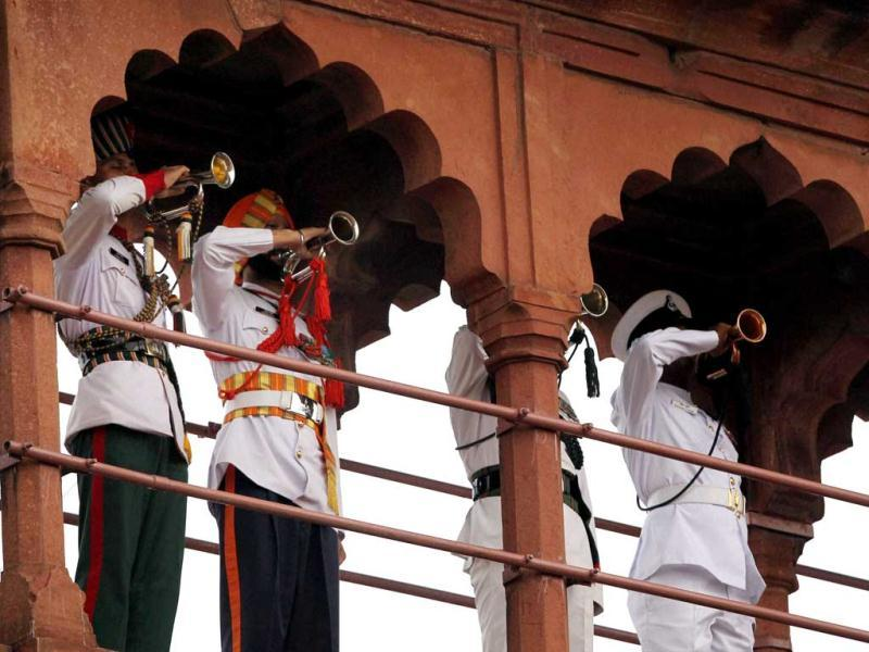 Services bandsmen perform during the 66th Independence Day function at Red Fort in New Delhi. (PTI/Kamal Kishore)