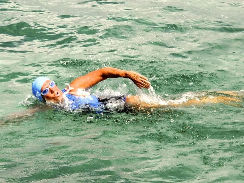 Endurance swimmer Diana Nyad swims off Havana, Cuba, as she begins a more than 100-mile trip across the Florida Straits to the Florida Keys. AFP Photo