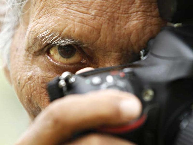 S Paul, India's most awarded photographer, was born on August 19, 1930 that is also World photography day. (Jasjeet Plaha/HT Photo)