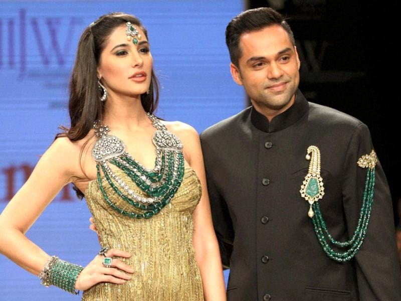 Abhay Deol and Nargis Fakhri rock it together on the first day of IIJW 2012. (Photo: PTI)
