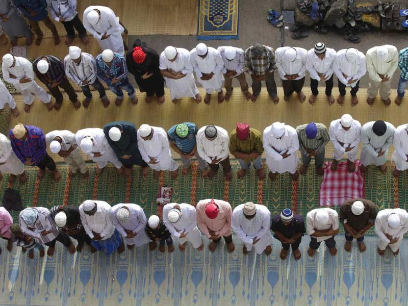 Muslims pray at a Mosque in Byculla, Mumbai on the occassion of Eid-Ul-Fitr on Monday. Photo by Kalpak Pathak/Hindustan Times.