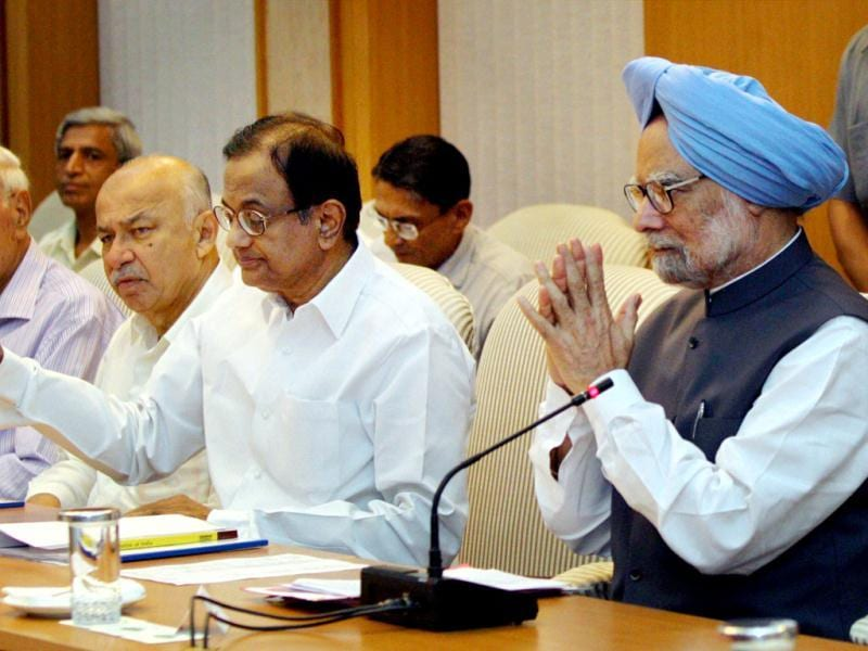 Prime Minister Manmohan Singh chairs an all-party meeting in New Delhi to discuss the issue of giving reservation in job promotions to Scheduled Castes (SCs) and Scheduled Tribes (STs). Also seen in the picture are Finance Minister P Chidambaram (2nd R), Home Minister Sushi Kumar Shinde and Union Minister Farooq Abdullah. PTI Photo by Kamal Kishore