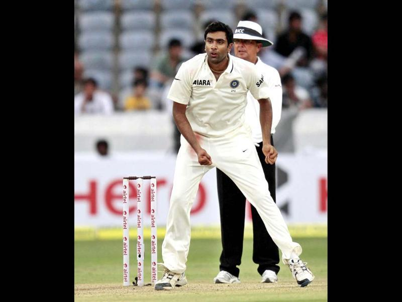 R Ashwin bowls to a New Zealand batsman during second day of their first Test match at Rajiv Gandhi Internationl Cricket Stadium, in Hyderabad. HT/Sunil Saxena