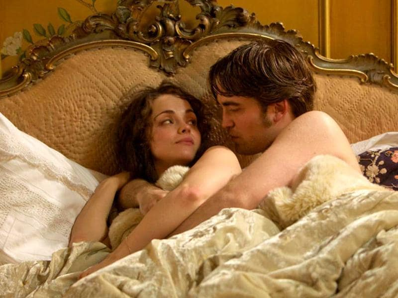 Duroy in bed with Clotilde de Marelle (played by Christina Ricci).