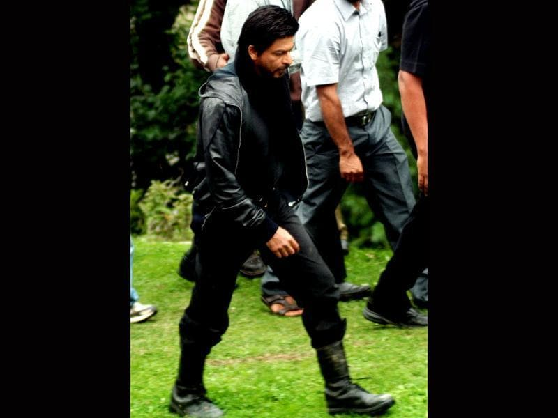 Bollywood actor Shah Rukh Khan shoots YRF's next in Kashmir's Pahalgam tourist destination on Monday (HT Photo)