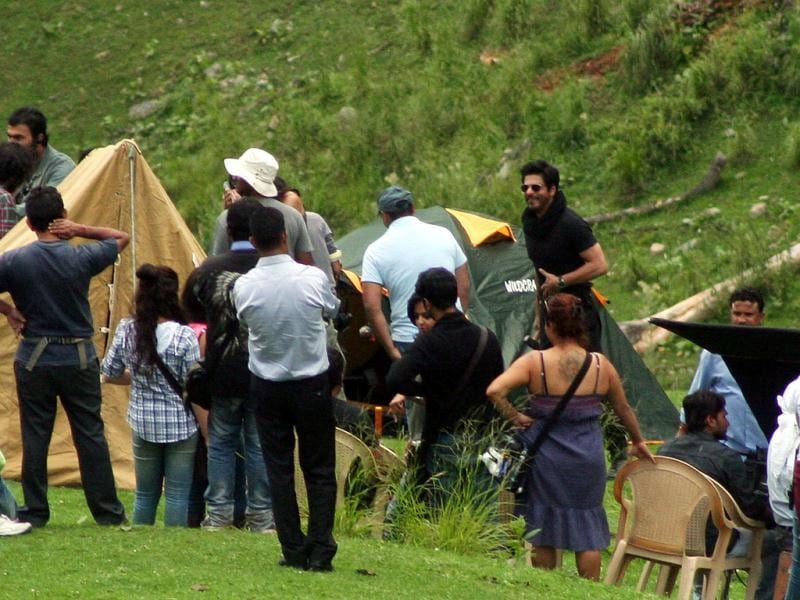 Bollywood actor Shah Rukh Khan shoots his first ever movie in Kashmir's Pahalgam tourist destination on Monday. (HT Photot)