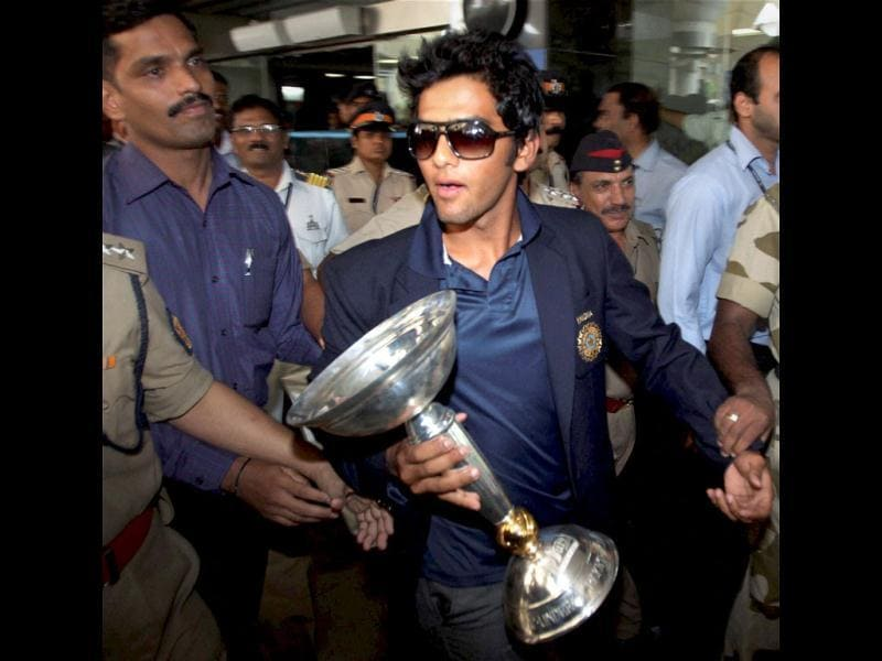 Under-19 Team India captain Unmukt Chand on his arrival at the airport in Mumbai. PTI Photo/Shirish Shete