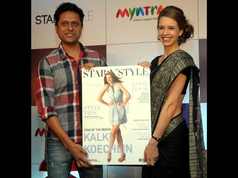 Kalki Koechlin wrapped her sari in a very traditional way along with a messy side bun, completing the glam look! (UNI Photo)