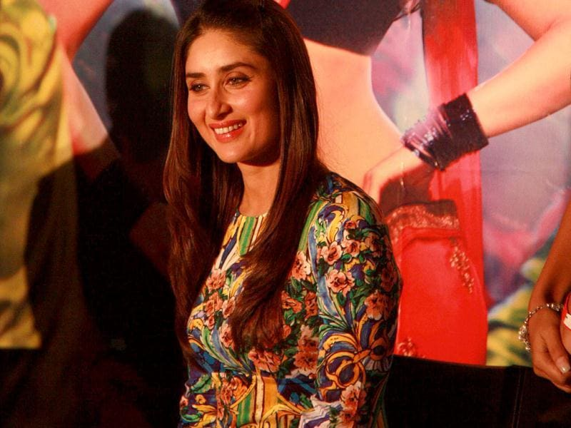 Say Cheese! Kareena graces the fans with a smile.