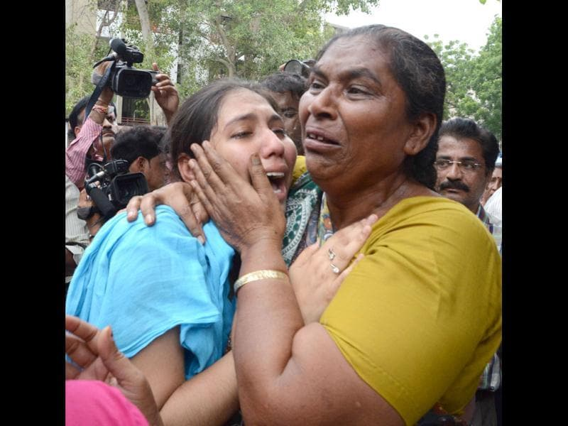 Relatives of those convicted in the Naroda-Patiya riots case are seen crying in Ahmedabad. HT/Mayur Bhatt