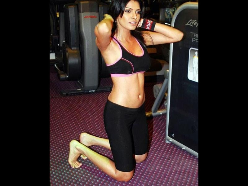 Fit 'n' fine: Sherlyn Chopra (Photo Credit: SherlynChopra/Twitter)