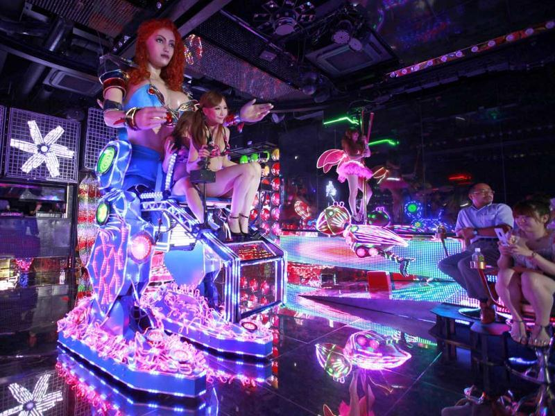 It's show time at the Robot Restaurant a new and high-tech take on the city's decades-old cabaret scene that puts a friendly, if unusual, face on the robot technology in which Japan is a world leader. Reuters Photo