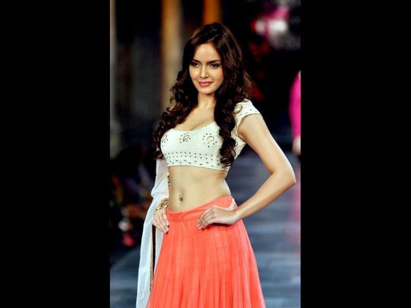 Shazahn Padamsee poses during the fashion show for The Mijwan Welfare Society. (Photo: AFP)