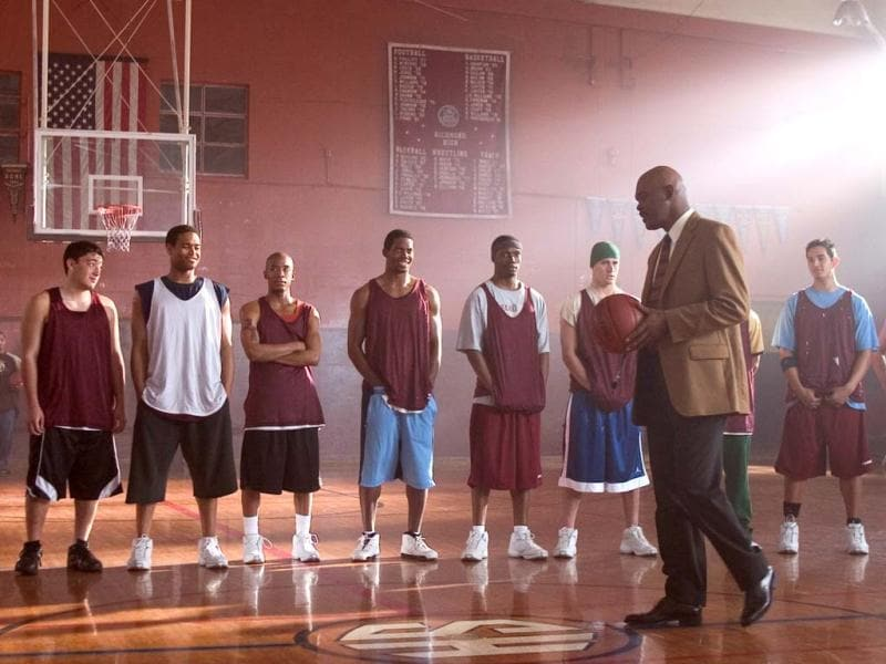 High school basketball coach Ken Carter (Samuel Jackson) after he benches his entire team for breaking their academic contract with him. To the outrage of the team, the school and the community, Carter cancels all team activities and locks the court until the team shows acceptable academic improvement.