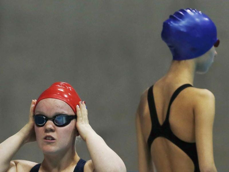 Britain's Eleanor Simmonds prepares to compete in the women's 50m Freestyle - S6 heats during the London 2012 Paralympic Games at the Aquatics Centre in the Olympic Park. (Reuters/Luke MacGregor)