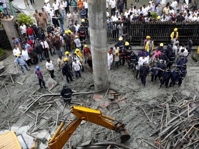 A section of an under-construction metro rail bridge collapse in Mumbai. HT Photo/Satish Bate