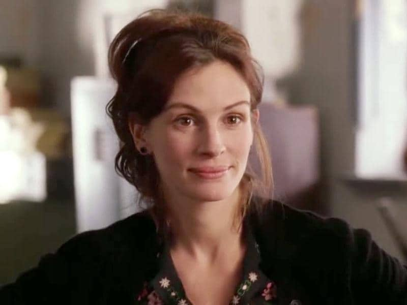 In Mona Lisa Smile, Julia Roberts plays a free-thinking art professor, who teaches conservative 50's Wellesley girls to question their traditional societal roles.