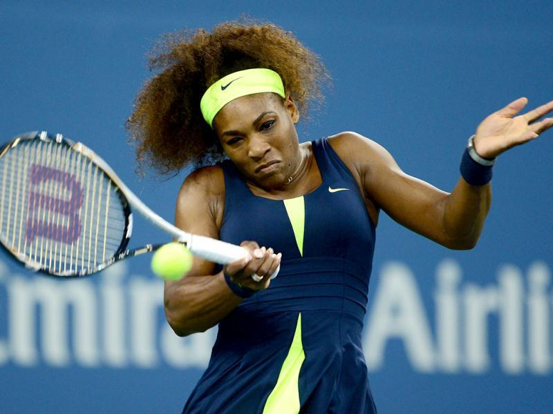 Serena Williams plays a point against Serbia's Ana Ivanovic during their 2012 US Open women's singles match at the USTA Billie Jean King National Tennis Center in New York. (AFP Photo)