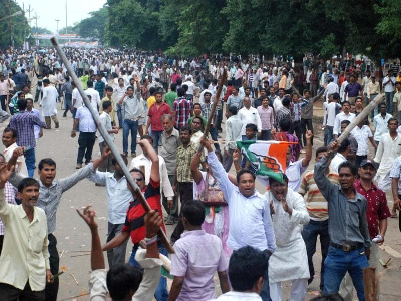 Congress workers protest over coal blocks allocation in Bhubaneswar. (PTI photo)