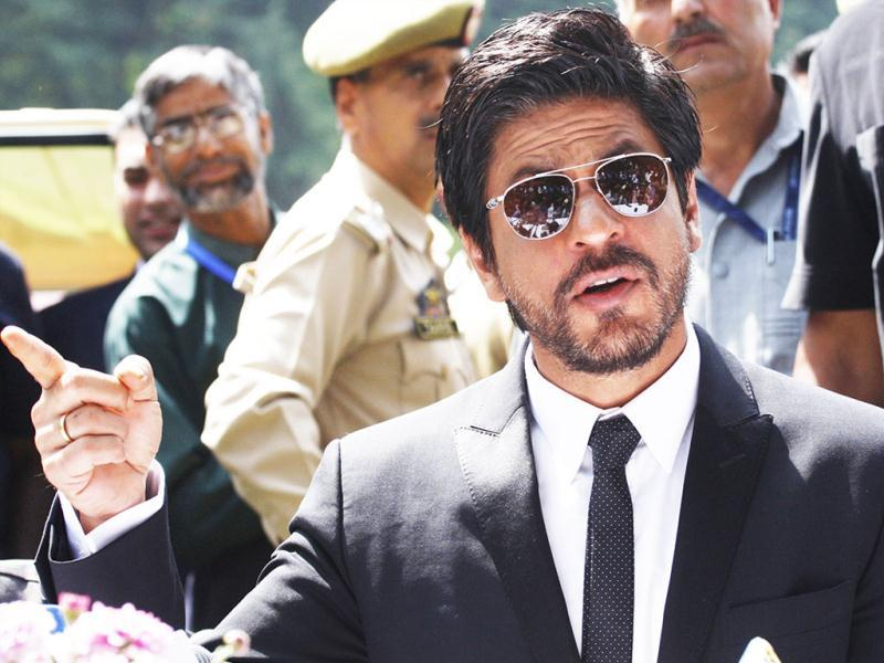 Bollywood actor Shah Rukh Khan adresses press conference in Srinagar. (Waseem Andrabi/Hindustan Times)