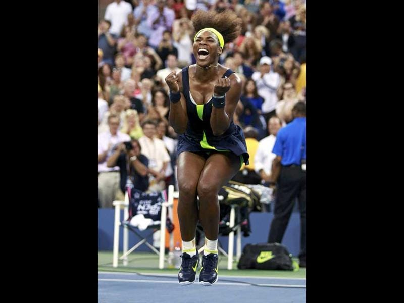 Serena Williams of the US celebrates after defeating Victoria Azarenka of Belarus in their women's singles finals match at the US Open tennis tournament in New York. (Reuters/Kevin Lamarque)