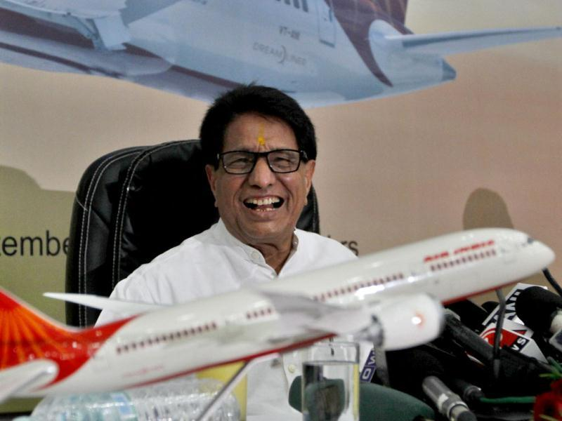 Civil aviation minister Ajit Singh address a press conference after the unveiling Air India's first Boeing 787 Dreamliner at Indira Gandhi International Airport's Terminal 3 in New Delhi. HT/Sanjeev Verma