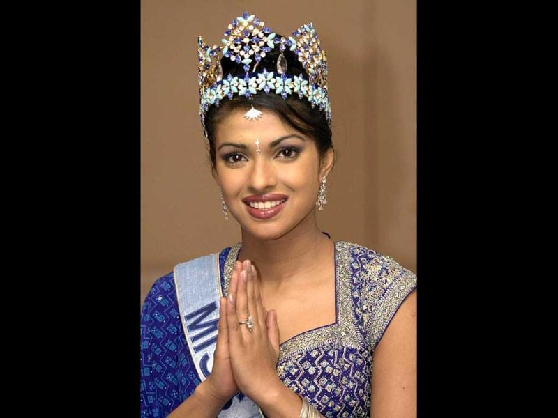 2000: The big start- Priyanka was 18 years old when she won the Miss World title. The desi look and an Indianness in demeanour marked the style statement of Chopra, who hails from a small town in Bareilly.