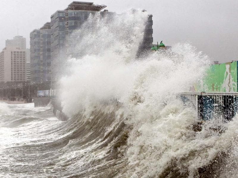 High waves caused by Typhoon Sanba crash on Haeundae beach in Busan, south of Seoul, South Korea. (AP Photo)