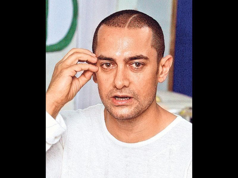 Bodylicious (2008): Aamir was back to being the pin-up boy with his perfectly chiselled body and sculpted eight pack abs. He worked out for over a year to get the look. Even the 'Ghajini hairstyle' - a near bald crew cut with scars - sparked off a trend. Also, the cosmetic surgery rumour hit Aamir around this time.