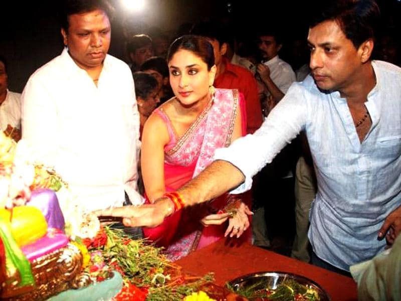 Kareena Kapoor opted for a traditional pink saree on the occasion.