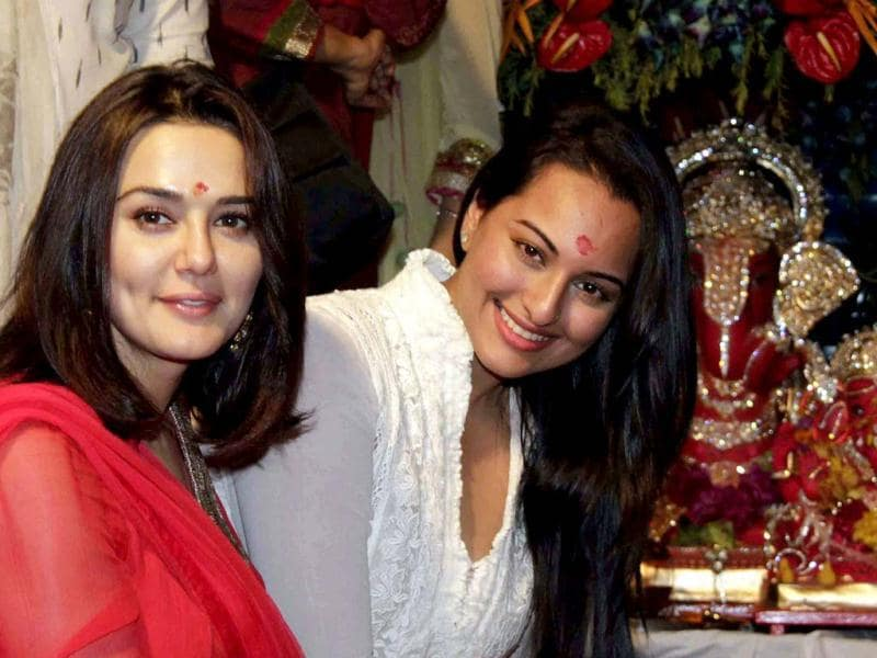 Preity Zinta and Sonakshi Sinha attend actor Salman Khan's immersion of Lord Ganesh during the festival in Mumbai on September 20. (AFP Photo)