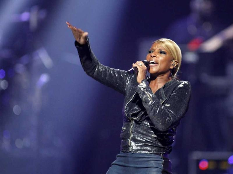 Singer Mary J Blige performs during second day of the 2012 iHeartRadio Music Festival at the MGM Grand Garden Arena in Las Vegas, Nevada. Reuters/Steve Marcus