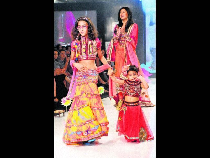 In 2000, as a 25-year-old single parent, Sushmita Sen made the bold move of adopting a baby girl and named her Renee (13). A decade later, she adopted another girl, Aliseh (2). Sushmita says that the two girls aspire to become Miss Universe, just like their mom.