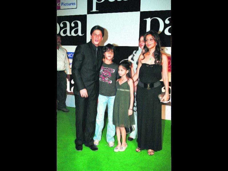 SRK married his long-time girlfriend Gauri Chibber in 1991. They have two children, son Aryan (15) and daughter Suhana (12). While Aryan has moved to London to study at Sevenoaks School, Suhana lives with her parents in Mumbai.