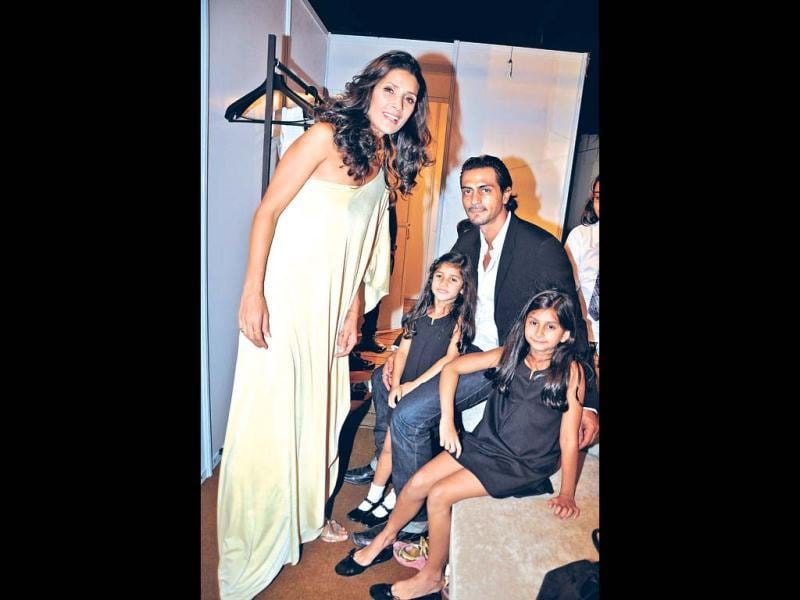 Arjun Rampal, who adores his little daughters Mahikaa (10) and Myra (7), makes sure that whenever he receives an award, he calls out to them while on stage. It's said that the actor even quit smoking because of the two of them.