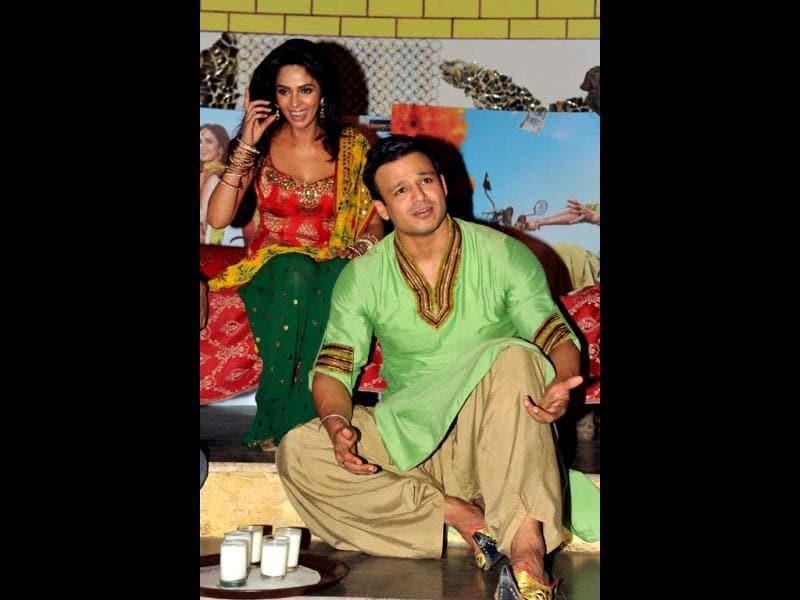 Mallika and Vivek promote their upcoming film.