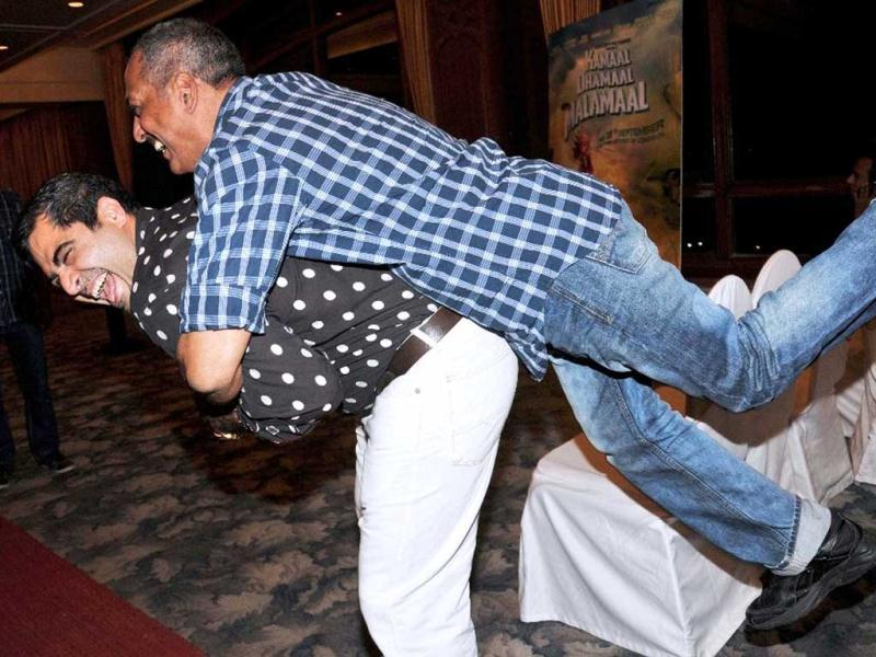 Nana Patekar and Shailendra Singh play around during the promotional event. (UNI Photo)