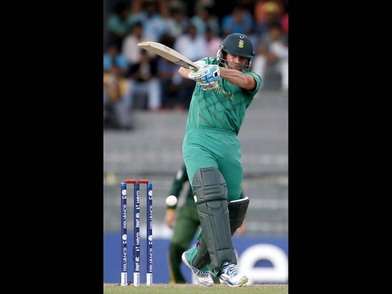 South Africa's Albie Morkel bats during a ICC Twenty20 Cricket World Cup Super Eight match against Pakistan in Colombo. (AP Photo/Gemunu Amarasinghe)
