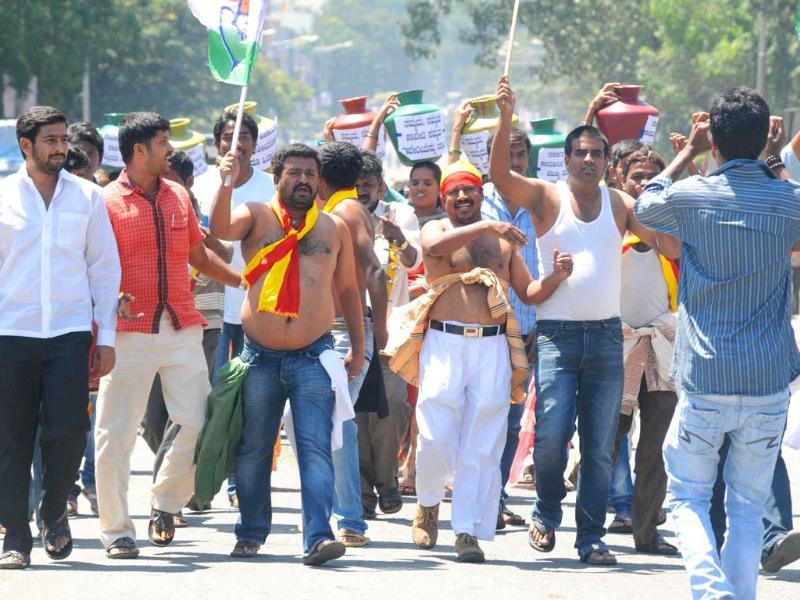 Congress Youth Morcha taking out a protest rally on the Cauvery water issue at Town Hall in Bangalore. UNI