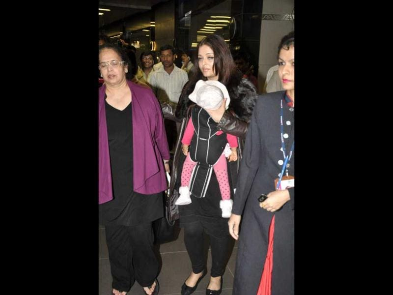 Aaradhya, mom and mom's mom (left). (Photos: Viral Bhayani)