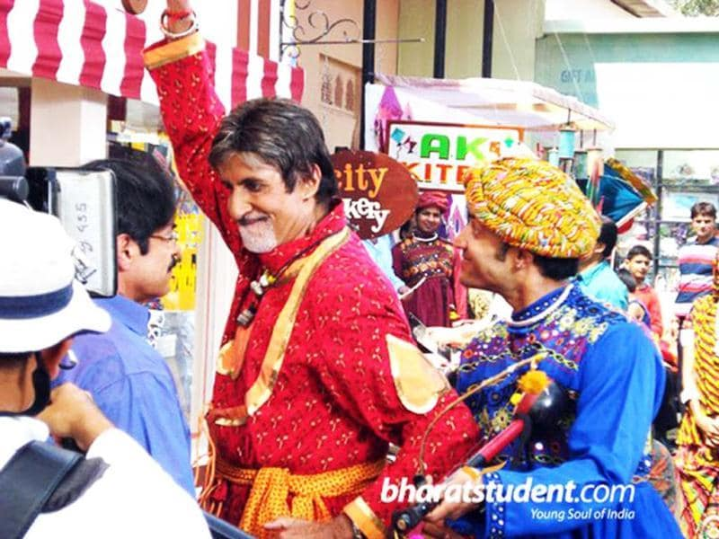 Amitabh Bachchan shoots for Navratan oil advertisement which appeared in 2009.