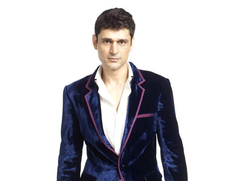 Niketan Madhok is a Model who has walked on ramp for famous Indian and International labels. He came into limelight after Lakme India Fashion Week 2002.