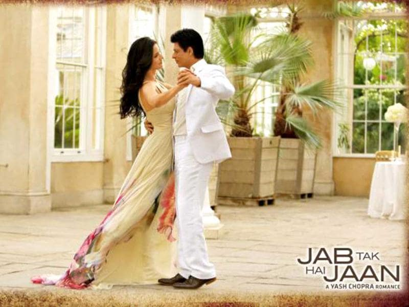 SRK and Katrina in a still from Saans, a track from Jab Tak Hai Jaan.