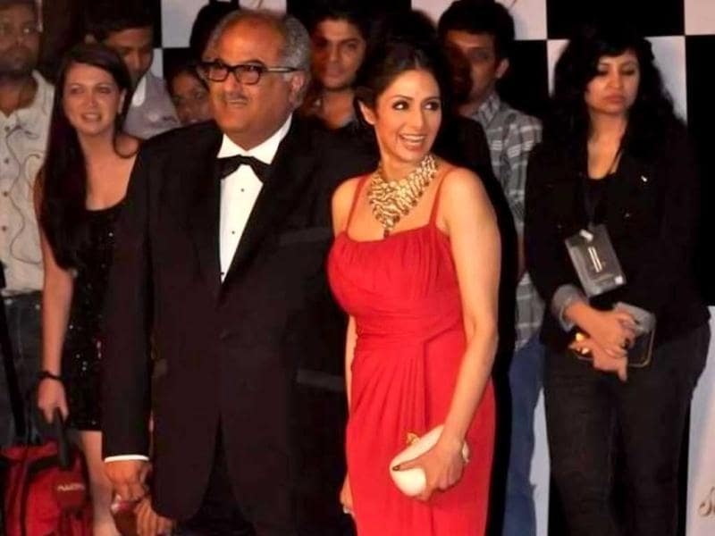 Sridevi with husband Boney Kapoor poses at the red carpet.