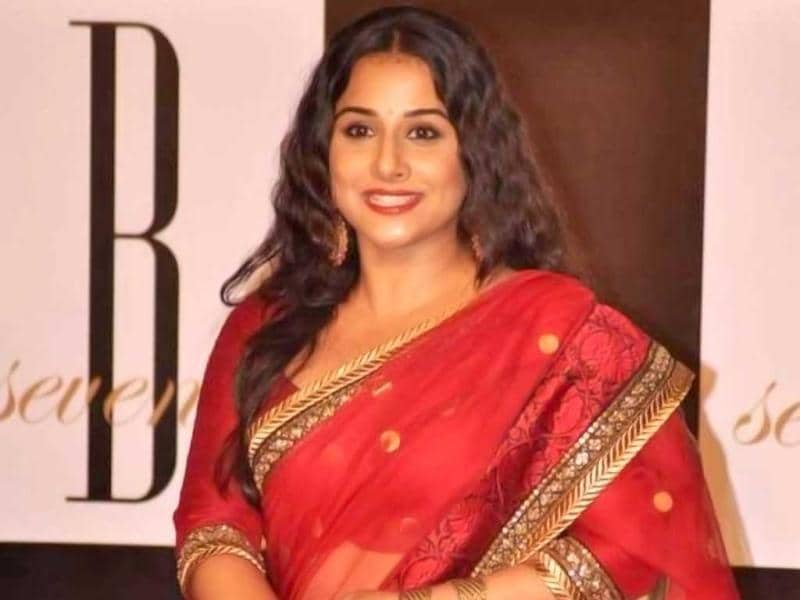Oh la la! Vidya Balan looks ravishing in a red sari.