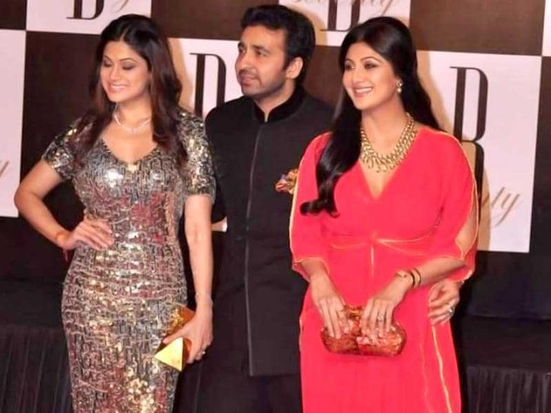 Shilpa Shetty, Shamita Shetty and Raj Kundra were present at Amitabh Bachchan's birthday bash, recently when he turned 70.
