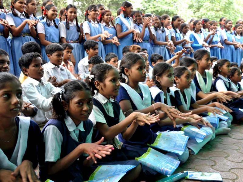 Primary school pupils in a Gujarat village demonstrate steps of hand washing. Photo courtesy: Unicef