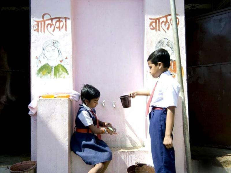 According to the Public Health Association, only 53% of the population wash hands with soap after defecation, 38% wash hands with soap before eating and only 30% wash hands with soap before preparing food. A schoolgirl washes her hands using the tippy tippy method at the middle school in Dehlot village in Rajasthan. Photo courtesy: Unicef