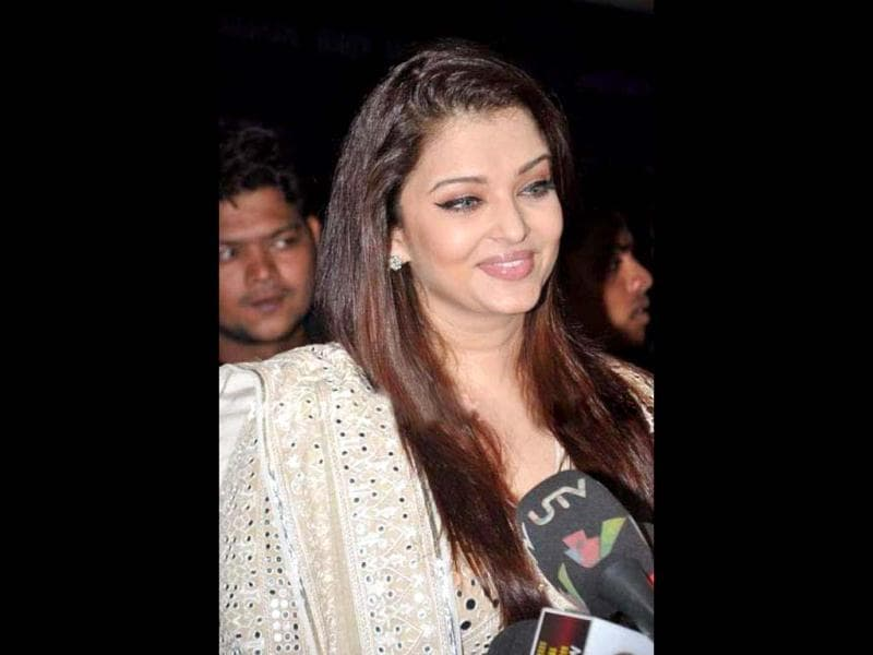Aishwarya Rai Bachchan interacts with the media at the exhibition.